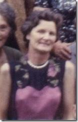 1963-08  Mammy at Molony Family Gathering